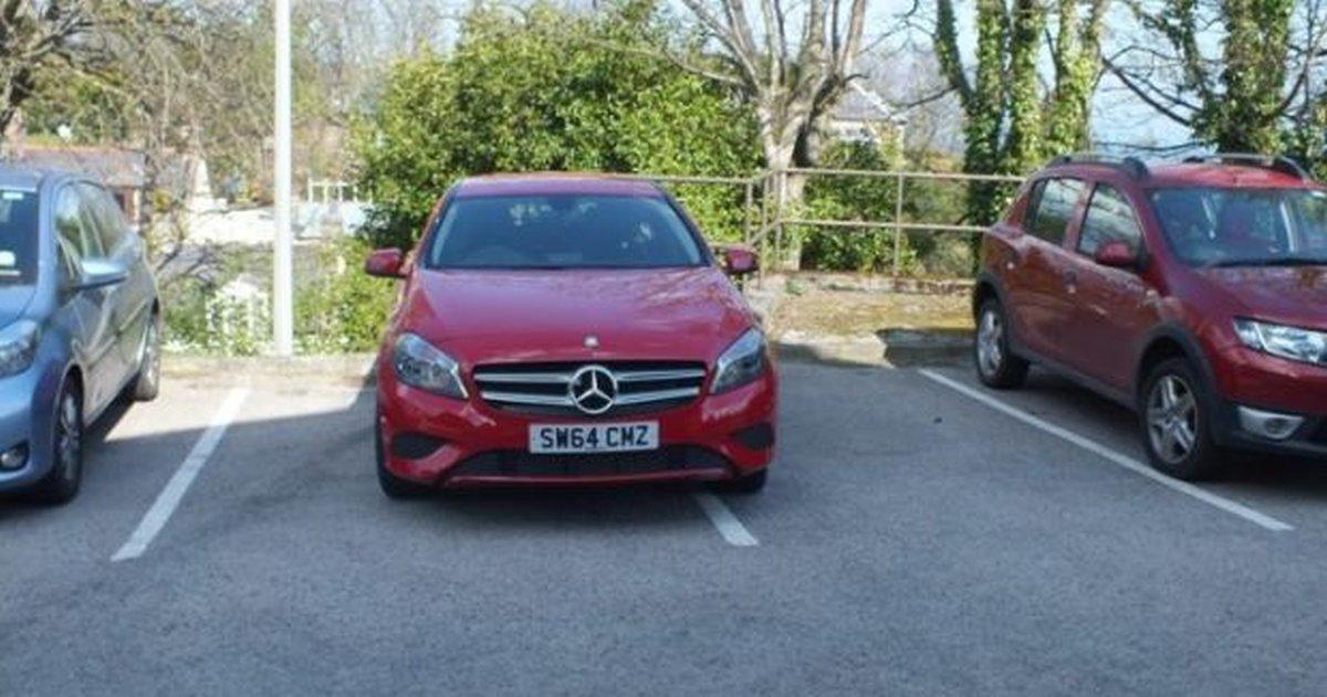 parking-mercedes