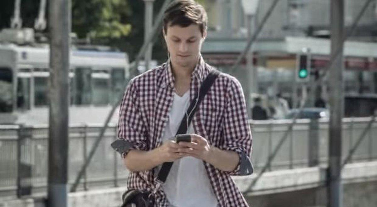 mladic-mobitel